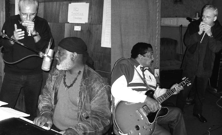 à gauche : JJM, Mighty Mo Rogers (Memphis 2001) - à droite : Littlle Milton, JJM (Memphis 2001)